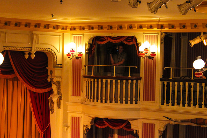 The Golden Horseshoe had several cameramen on hand.