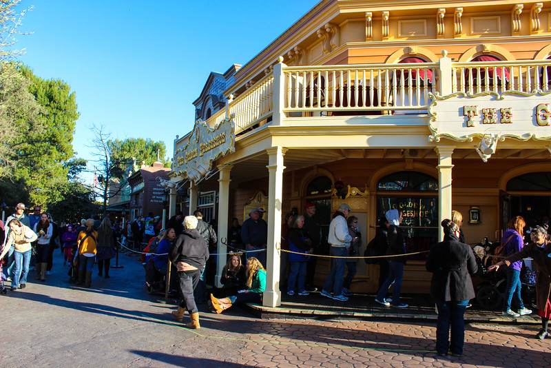 The line for the Golden Horseshoe Revue remained long throughout the day.