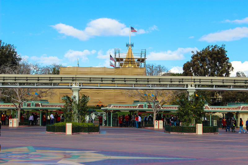 Main Street Station under refurbishment.  You cannot exit or enter the train from this location at this time.Primeval World and Grand Canyon Diorama are open.