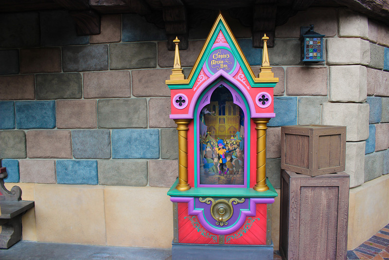 You can interact with Clopin's music box.