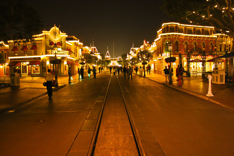 Main Street at 12:50 AM.