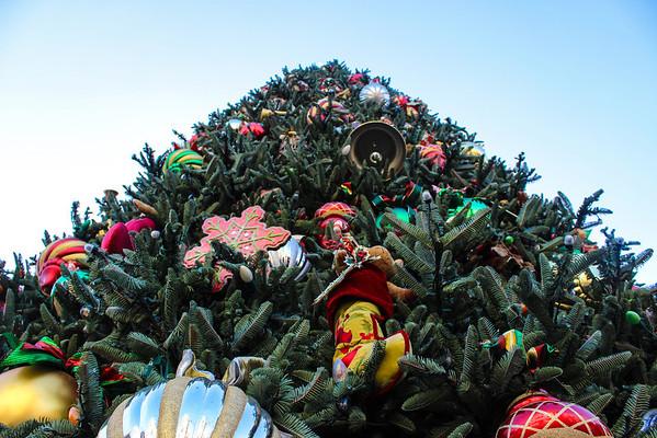Main Street U.S.A. Christmas Tree.