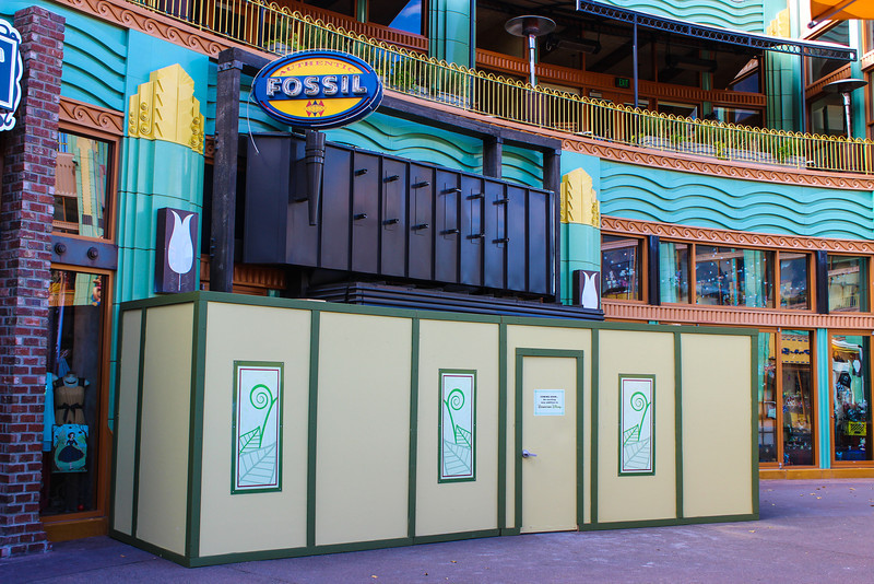 Fossil shop in Downtown Disney under refurbishment.