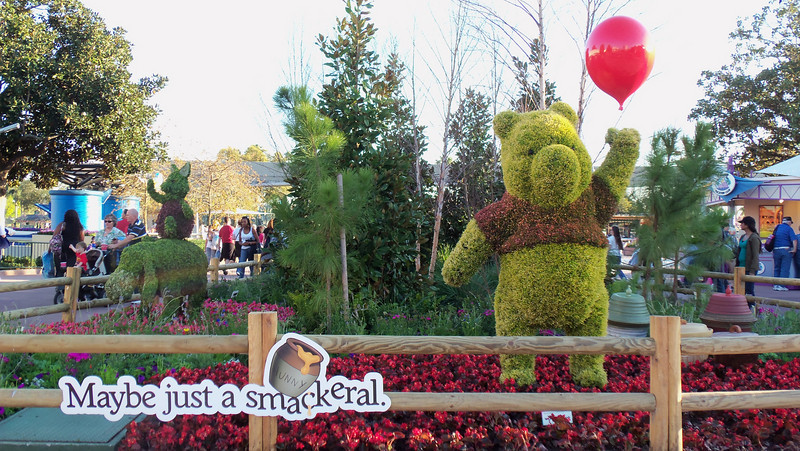 New Pooh topiaries...although he doesn't have a nose...